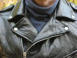 Motorcycle jacket with open collar