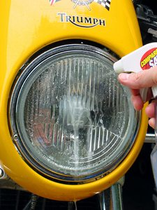 Cleaning the headlight