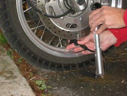 Motorcycle tire air pump