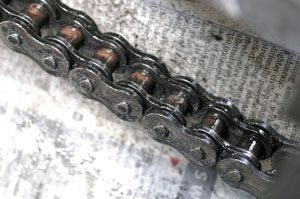 Chain after cleaning with kerosene and using a Grunge Brush