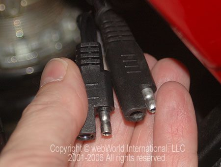Acumen vs. Battery Tender Cable Connectors