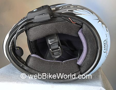 Motorcycle Bluetooth Intercom Installed in Helmet