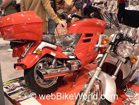 CF Moto V3 - Rear View