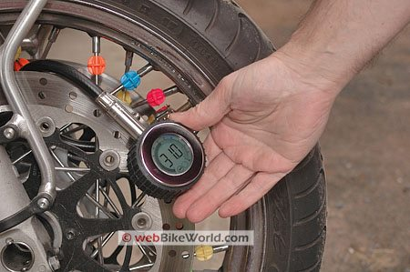 Accutire Gauge - Roadgear Ultra Hi-Tec Digital Tire Pressure Gauge - Taking Tire Pressure