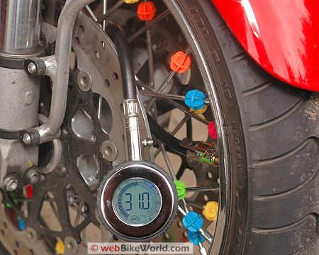 Accutire Gauge - Roadgear Ultra Hi-Tec Digital Tire Pressure Gauge
