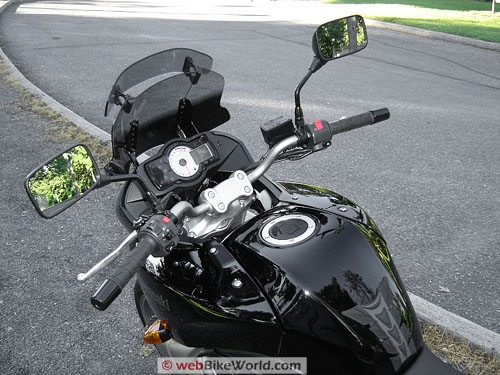 Kawasaki Versys - Dashboard and Handlebars