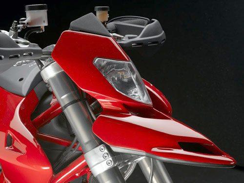 Ducati Hypermotard, Front