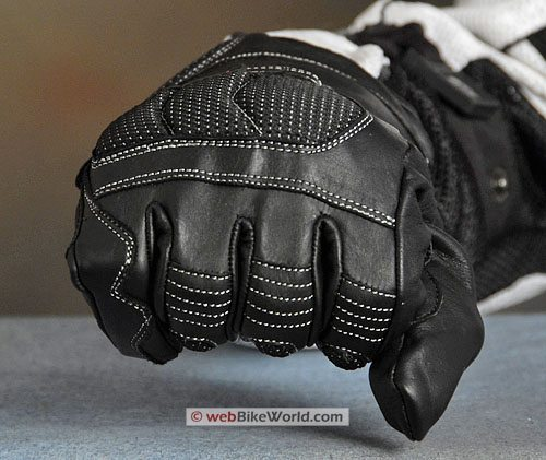Roadgear Multi-Season Adaptive-Tec Gloves - Close-up of Knuckles