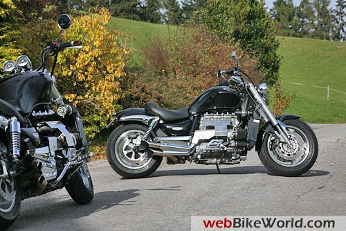 Triumph Rocket III Turbo - Side View