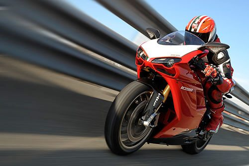 Ducati 1098 R - At Speed