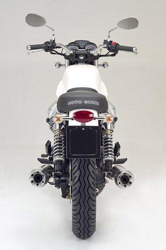 Moto Guzzi V7 Classic - Rear View