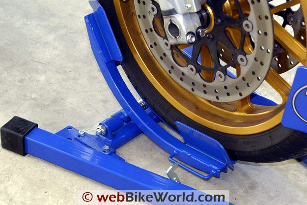 Titan Bulldog Moto Cradle Motorcycle Wheel Chock - Wheel Cradle Close-up