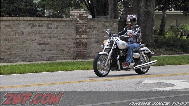2010 Triumph Thunderbird - Rider