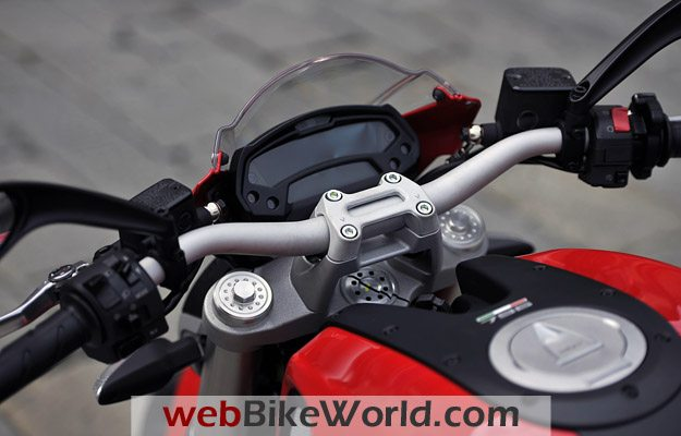 Ducati Monster 796 - Instruments