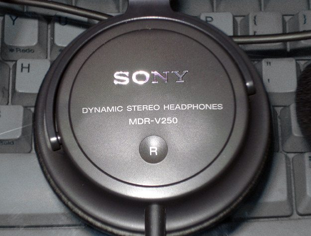 Sony MDR-V250 Speakers
