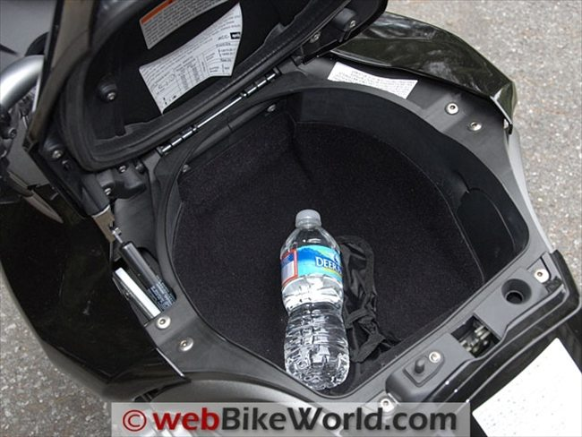 Aprilia Mana 850 GT Review - webBikeWorld