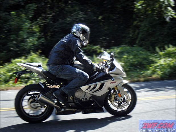 BMW S 1000 RR Ride Report - On the Road