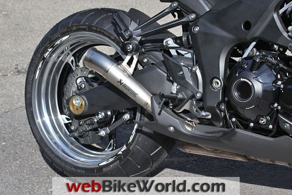 Special Akrapovic exhaust system for the Z1000.
