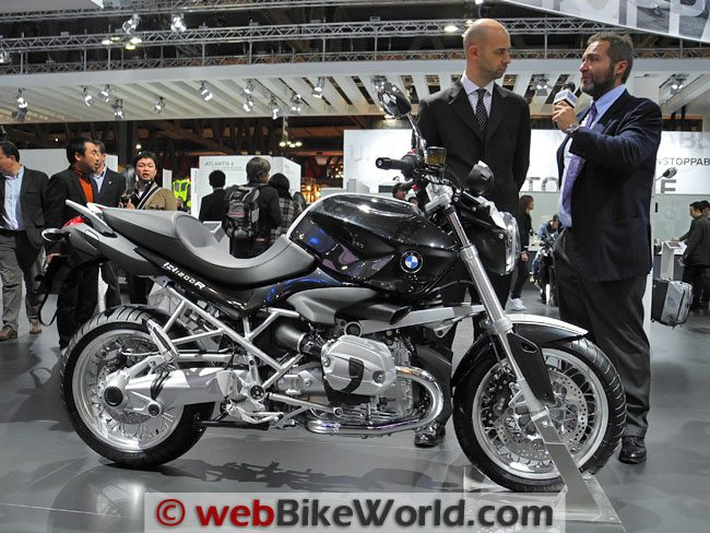 BMW R1200R Black and White