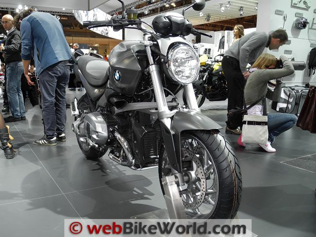 BMW R1200R Front View