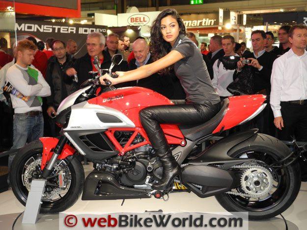 Ducati Diavel, Left Side