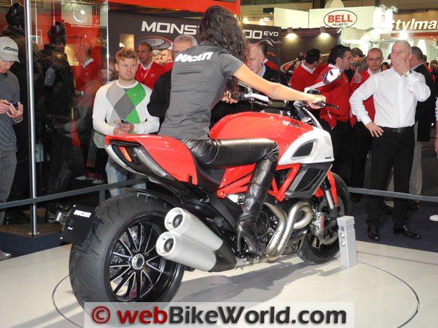 Ducati Diavel, Rear