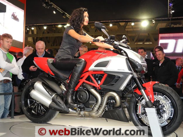 Ducati Diavel Right Lower Side