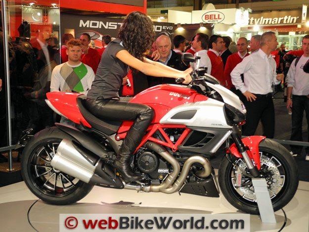 Ducati Diavel, Right Side