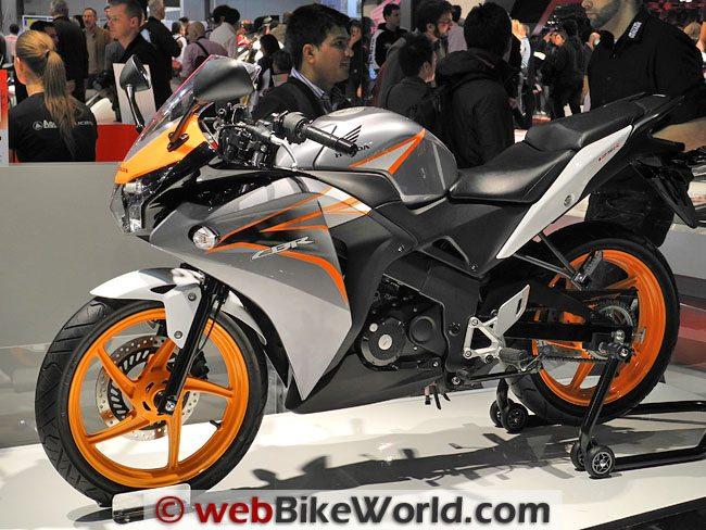 Honda CBR125R - Left