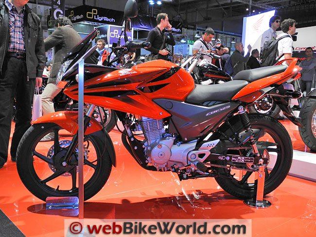 Honda CBR125R- Red