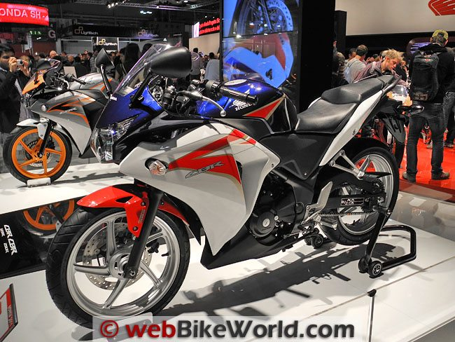 Honda CBR250R - Left Side