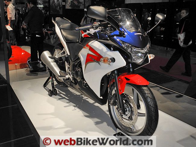 Honda CBR250R - Right Side