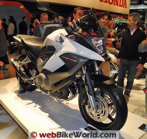 Honda Crossrunner Front View