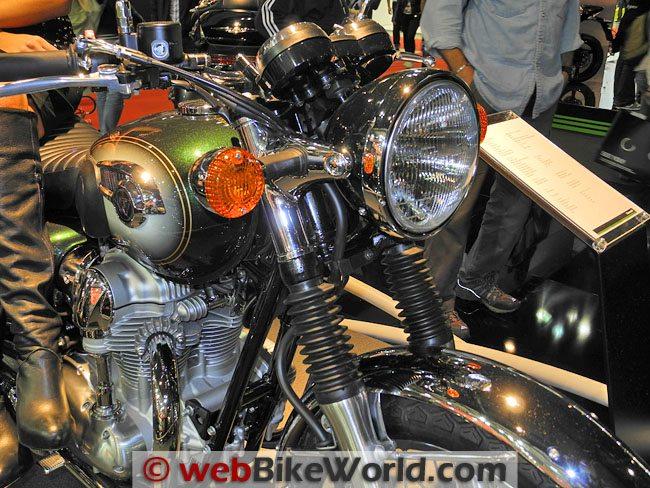 Kawasaki W800 - Headlight