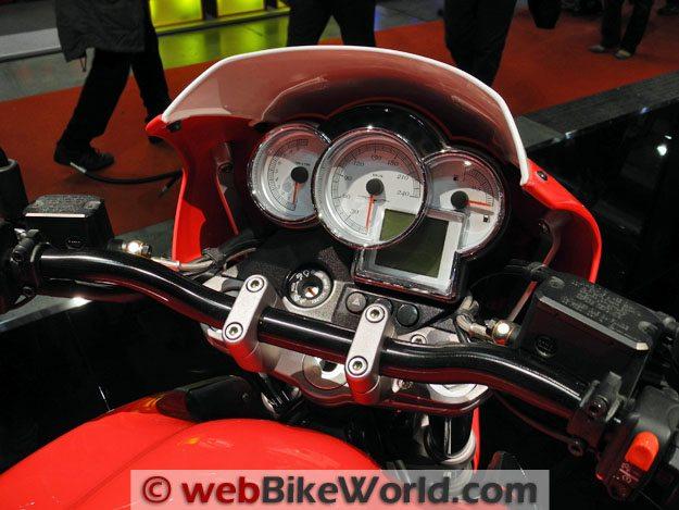 Moto Guzzi Sport 8V - Instruments