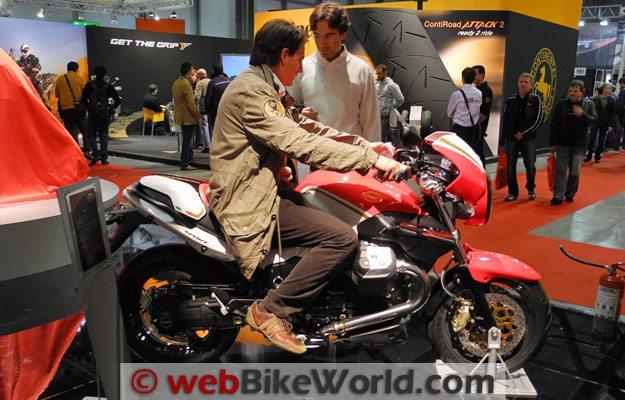Moto Guzzi Sport 8V - Rider