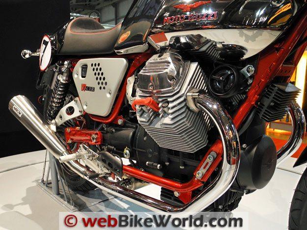 Moto Guzzi V7 Cafe Racer Engine