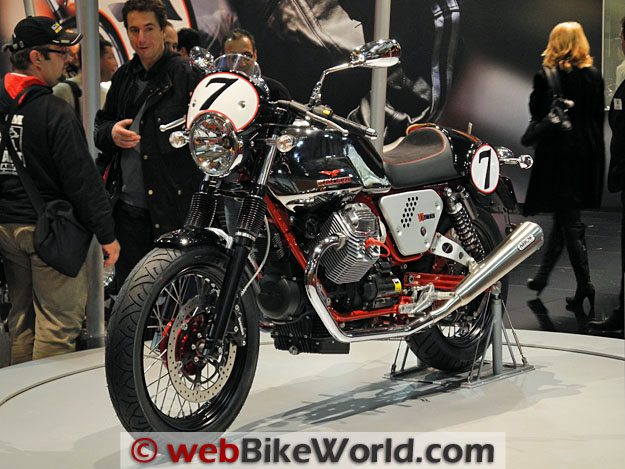 Moto Guzzi V7 Cafe Racer - Left Front