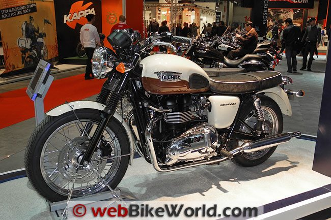 Triumph Bonneville - Brown and White