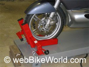 Motorcycle table lift front wheel vise