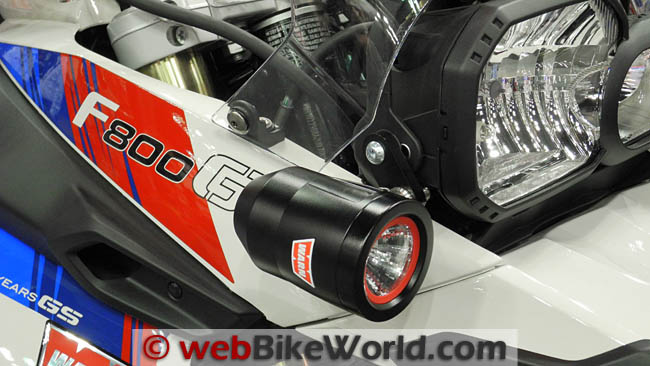 Warn WXT200 HID Lights Close-up