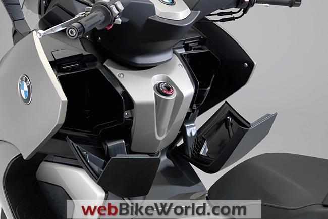 BMW C 600 Front Storage