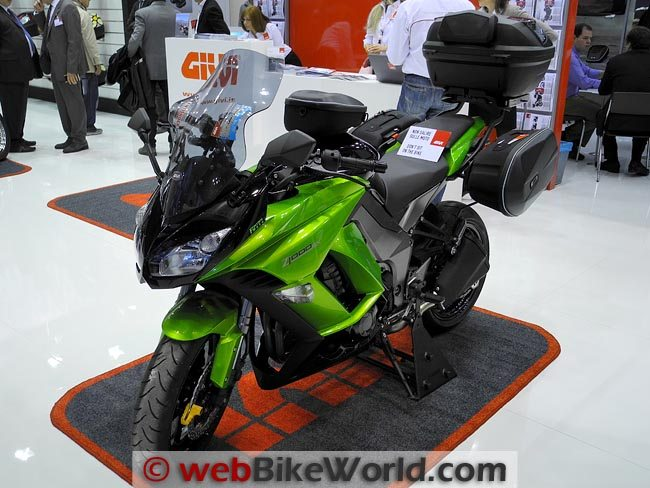 Givi Luggage on Kawasaki Z1000