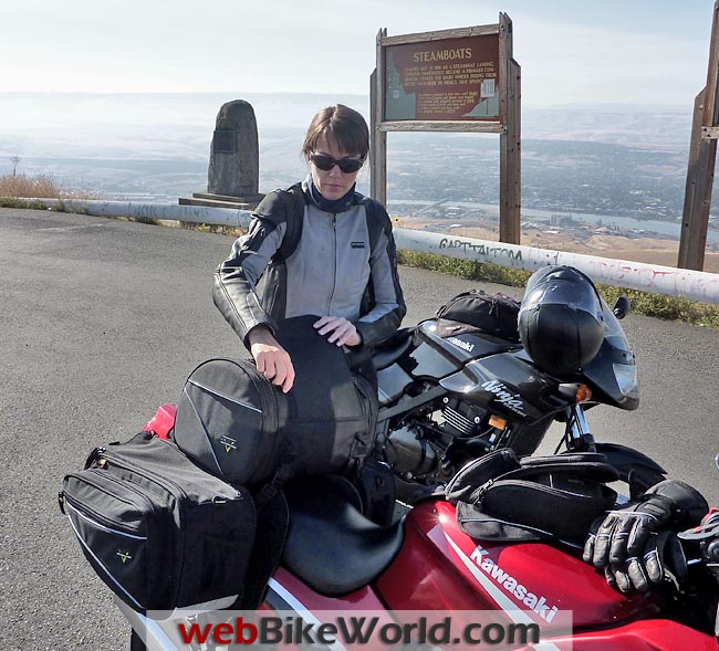 Packing the Nelson-Rigg CL-950 Saddlebags