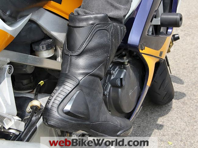 Vitesse Glove Boots Rear View