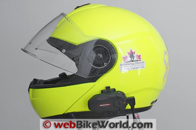 BikeComm Hola Intercom on SCHUBERTH C3