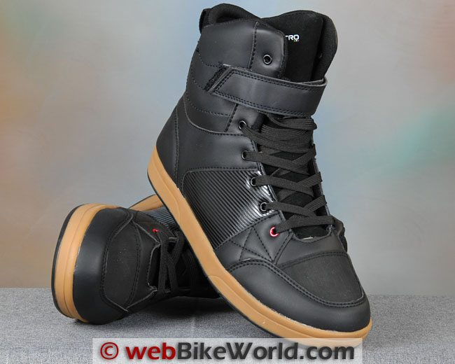 VQuattro Milano Paperboy Boots