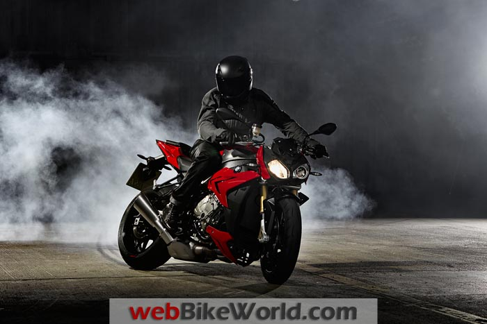 BMW S 1000 R Burnout