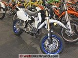 Suzuki DR-Z400SM Also in the Showroom
