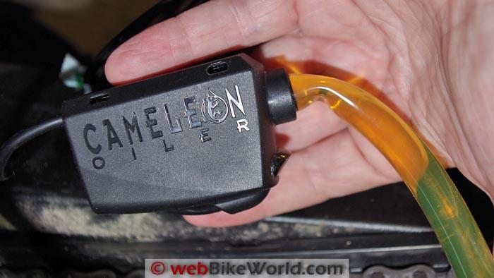 Cameleon Chain Oiler Hose Kink